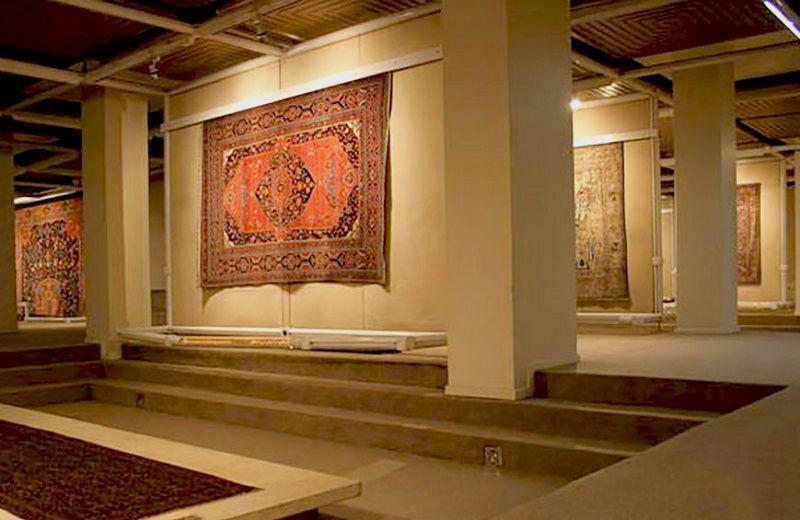 آثار موزه فرش ایران | شرکت فرش اکسیر