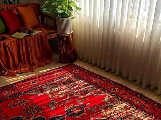 با معروف ترین رنگ فرش آشنا شوید؛ فرش لاکی   شرکت فرش اکسیر
